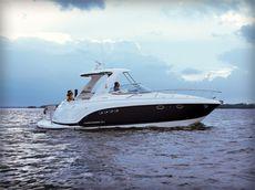 Chaparral 370 Signature Cruiser