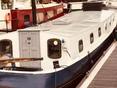 21m Dutch Barge on Residential Mooring in Canary Wharf