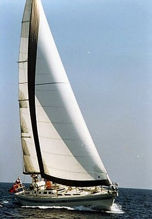 MACINTOSH 47 SAILING YACHT