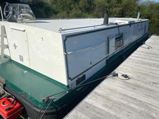 40' x 12' Widebeam Houseboat (Sea Otter)