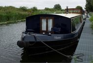 Houseboat Spacious Much loved Wide Beam Cruiser