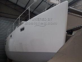 Admiral 40 - NEW BOAT - Hull Close Up