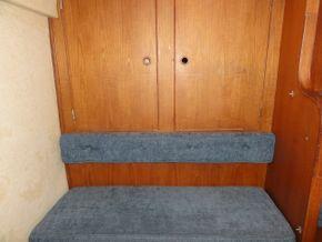 Aft Seat & Hanging Locker