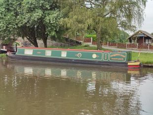 Magpie's Nest - 57 foot semi traditional stern narrow boat