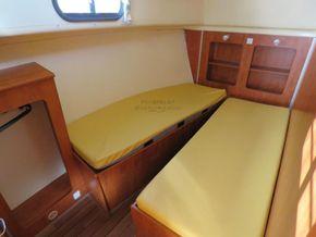 Nicols Estivale Quattro double helm positions - Forward Cabin