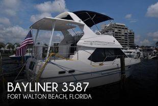 1996 Bayliner 3587