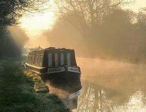A dawn mist heralds another peaceful day on the cut