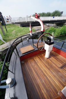 Dutch barge newly renovated, good hull condition recent survey