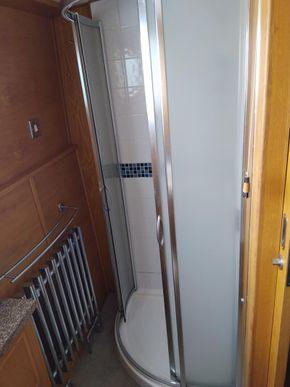 Main Cabin Shower