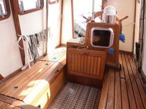 Wooden  Custom Wood-epoxy classic cruising sailboat - Cockpit table