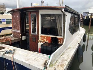 Cosy Houseboat Project