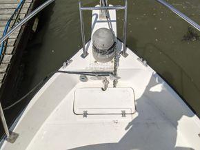 Hardy Fishing 24 - Extended Wheelhouse Recent engine - Foredeck