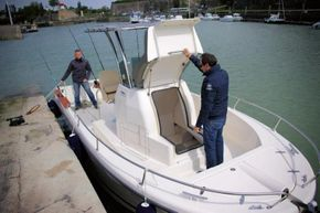 Foredeck access