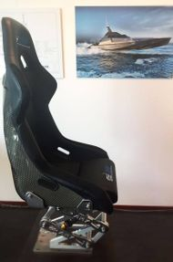 Suspension seat for up to 70 Knt