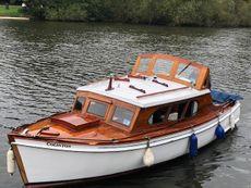 Colinton: Gentleman's River Cruiser