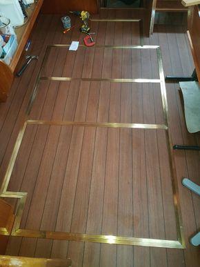 Salon floor / engine covers