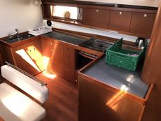 2013 OCEANIS 48 SHALLOW DRAFT