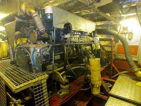 Passenger Trip Boat 36m  - Engine