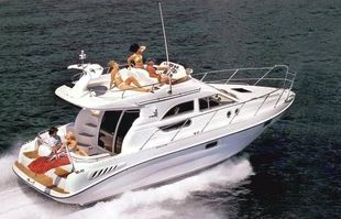 Sealine F33 (available)