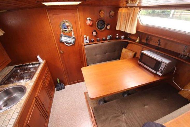 1985 Valkkruiser 1300 FB