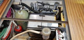 Generator, Eberspacher and hot water tank in engine compartment under pilot house