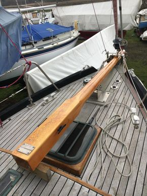 Retracted Bowsprit
