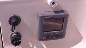autohelm control adjacent to helm