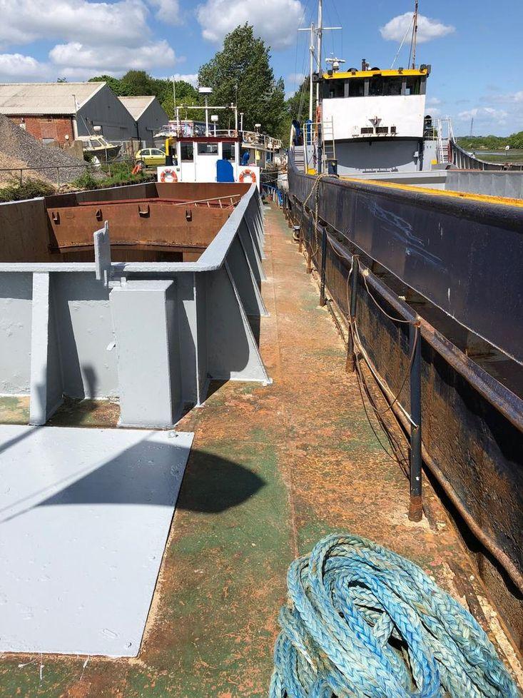 37.09 Humber Barge