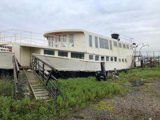 Amazing Venue With Houseboat Potential