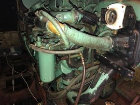 Replica Boat Torpedo Boat Twin Detroit diesel engines 900hp - Engine(s) Detail