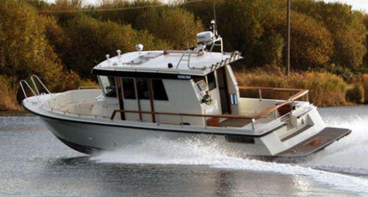 26ft Fishing Boat - Charter