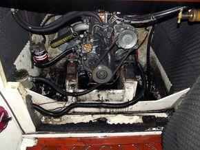 Golden Shamrock 1/2 Tonner  - Engine