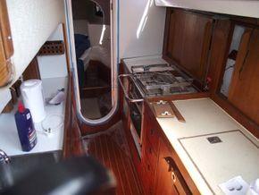 Oyster  406-16 Deck Saloon Version - Galley