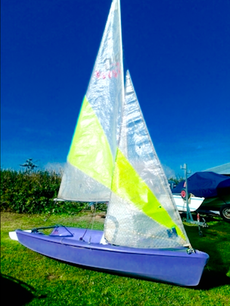 STAND OUT ON THE WATER WITH THIS PURPLE FEVA XL IN GREAT CONDITION!! R
