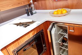 Haines 400 Aft Cabin Galley