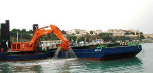 36 Meter Backhoe Dredger with 3 spud & flat top barge and tugboat
