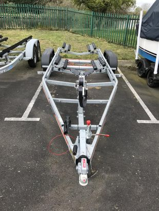NEW SBS R4/2600EL TRAILER AT FARNDON MARINA