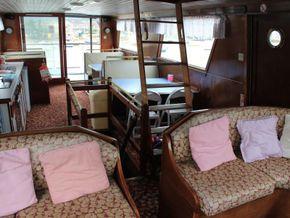 Houseboat purpose built 20m  - Interior