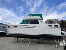 CARVER 32 1990 - PERFECT LIVEABOARD - IN EXCELLENT CONDITION FOR YEAR