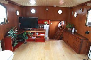 "''Katwijker"" live aboard motor boat"