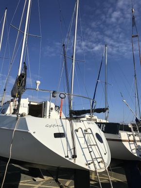 Stern with new backstay arrangement