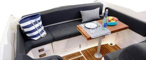 Table and aft seating