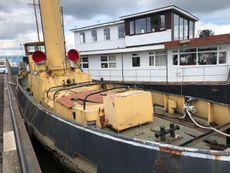 Historic Tug to Convert
