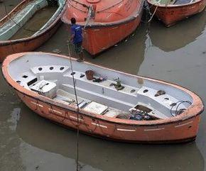 8 M Boat