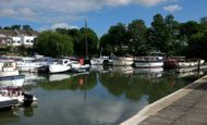 Leisure moorings in West London.  NOT residential.