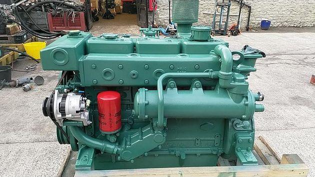 Doosan L136 160hp Marine Diesel Engine & Gearbox - Pair Available