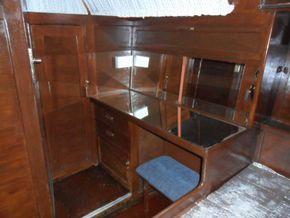 Aft Cabin Dresser