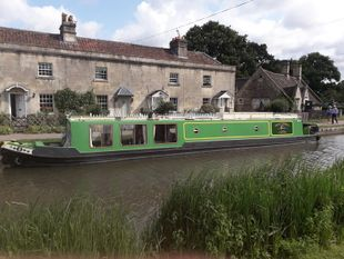 59' narrowboat with a difference.