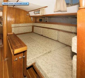 Saloon berth conversion to small double