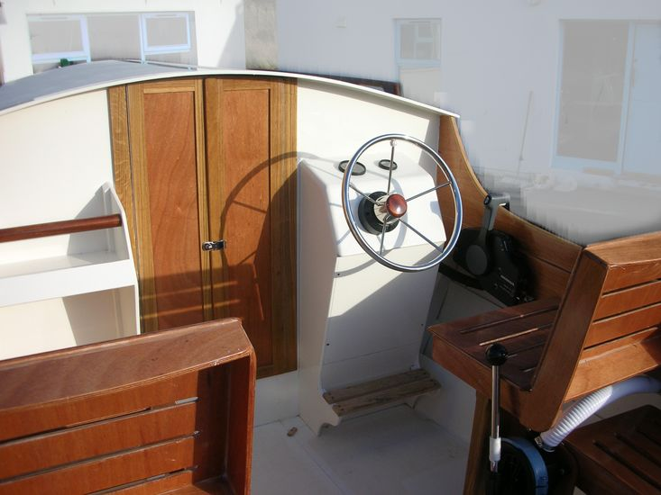 22' Classic outboard dayboat
